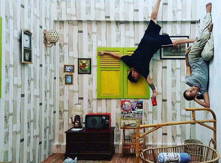paket-liburan-jogja-upside-down-world-jogja