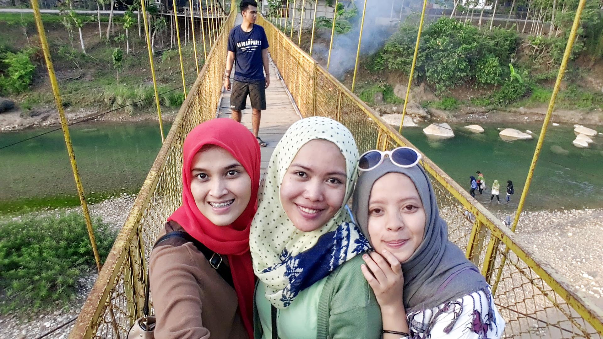 paket-tour-jogja-jembatan-gantung-imogiri3