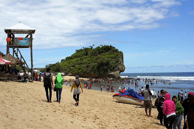 pantai indrayanti, paket wisata jogja, paket tour jogja, paket liburan jogja