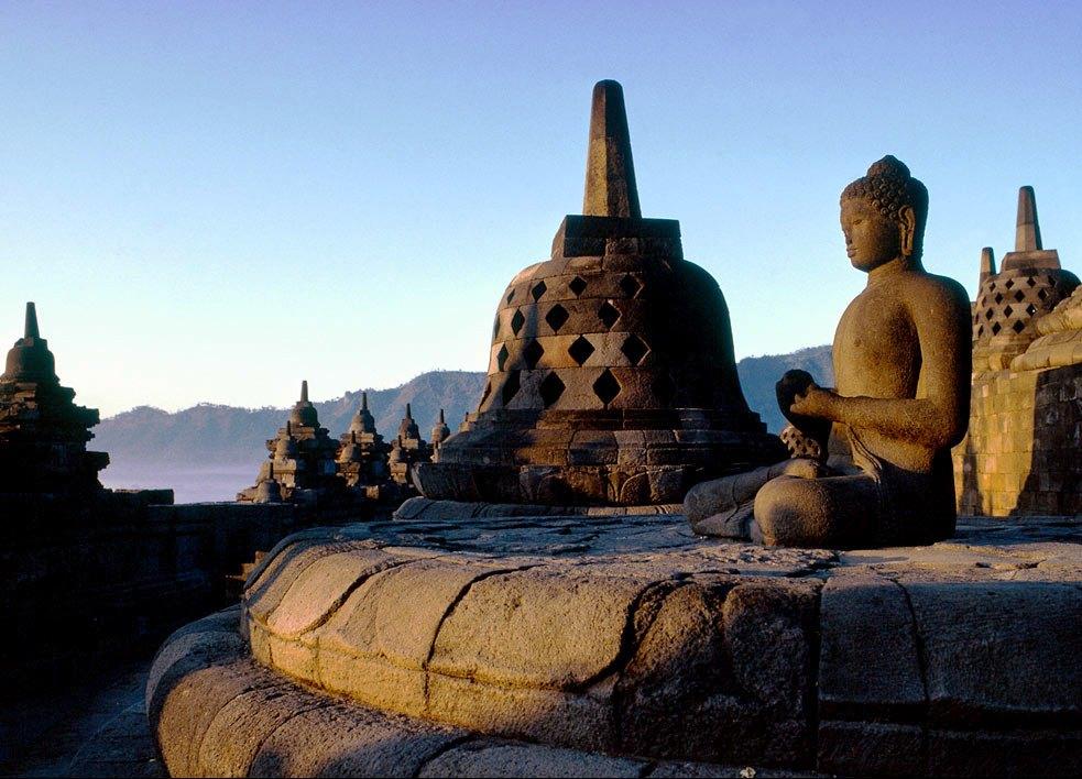 Paket-wisata-jogja-Candi-Borobudur