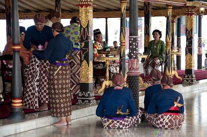 Paket-wisata-jogja-Keraton-DI-Yogyakarta