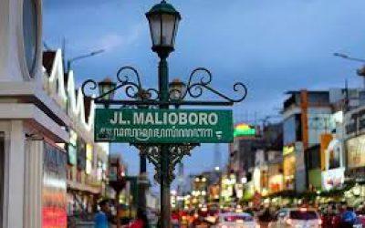 Kepadatan Malioboromalioboro jogja, wisata malam jogja, kema