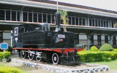 Cerita kereta Jogja, stasiun kereta apai, lokomotif kereta, kenangan indah sepur Jogja, Paket wisata Jogja75