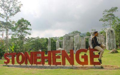 paket wisata jogja, paket liburan jogja, paket travelling jogja, paket tour jogja, monumen stonehenge sleman, destinasi wisata jogja, merapi yogyakarta, daerah istimewa yogyakarta
