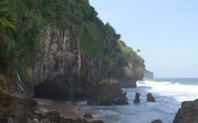 paket wisata jogja,paket liburan jogja, paket travelling jogja, paket tour jogja, pantai seruni gunungkidul, liburan ke jogja, destinasi wisata jogja, daerah istimewa yogyakarta